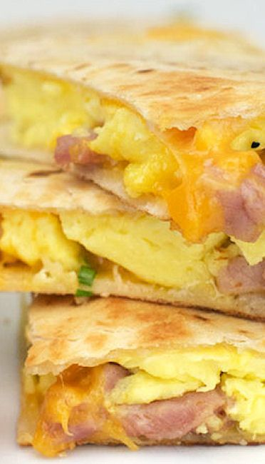 Ham and Cheese Breakfast Quesadillas - I found that they reminded me of fast food breakfast quesadillas from Del Taco - only much more fresh and full.