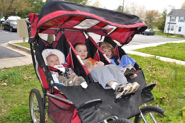 5 Important Things to Consider When Buying a Triple Stroller