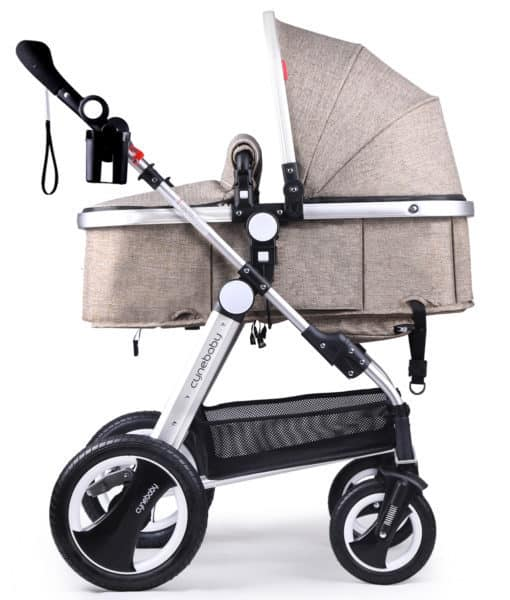 The Cynebaby City Select is sleek and aesthetically pleasing, despite boasting a range of complete features.