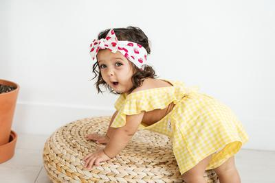 Find an amazing collection of hair accessories in Baby bling bow.