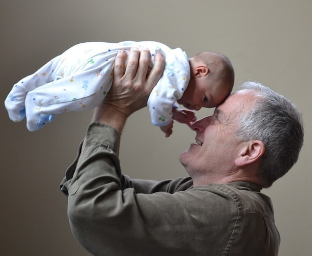 There are so many benefits for grandparents and grandchildren when they have a close bond (Source: Pixabay)